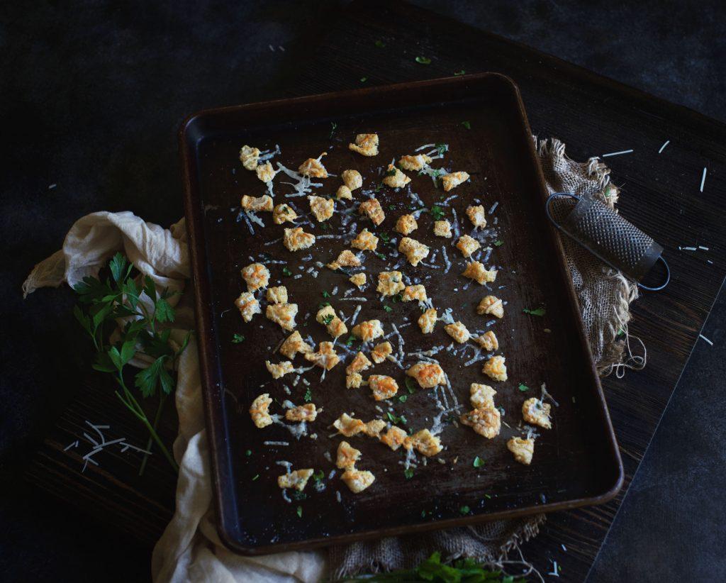 Low-Carb Garlic Parmesan Croutons