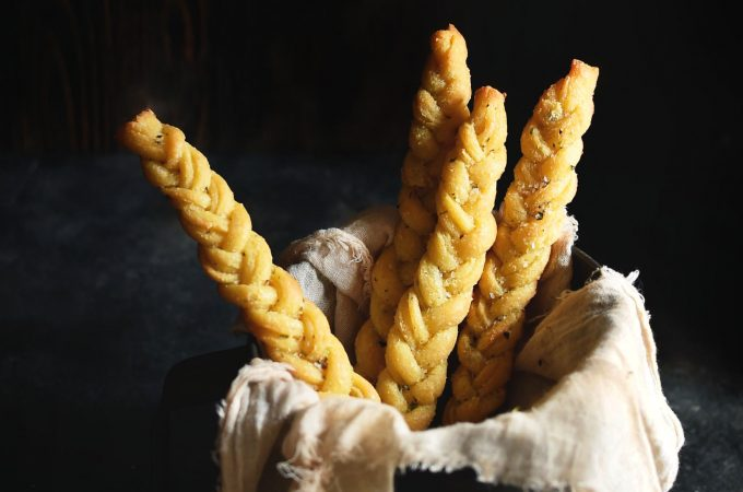 Low-Carb Braided Garlic Breadsticks