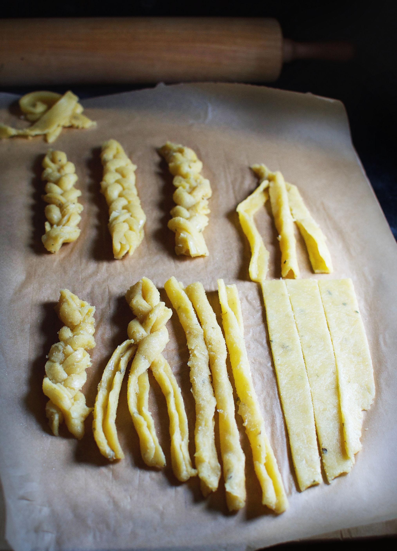 Low-Carb Braided Garlic Breadsticks