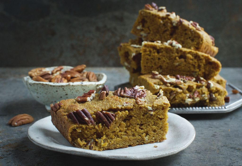 Low-Carb Pumpkin Pecan Bars