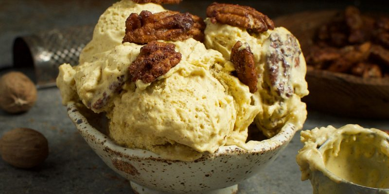 Low-Carb Candied Pecan Pumpkin Ice-Cream