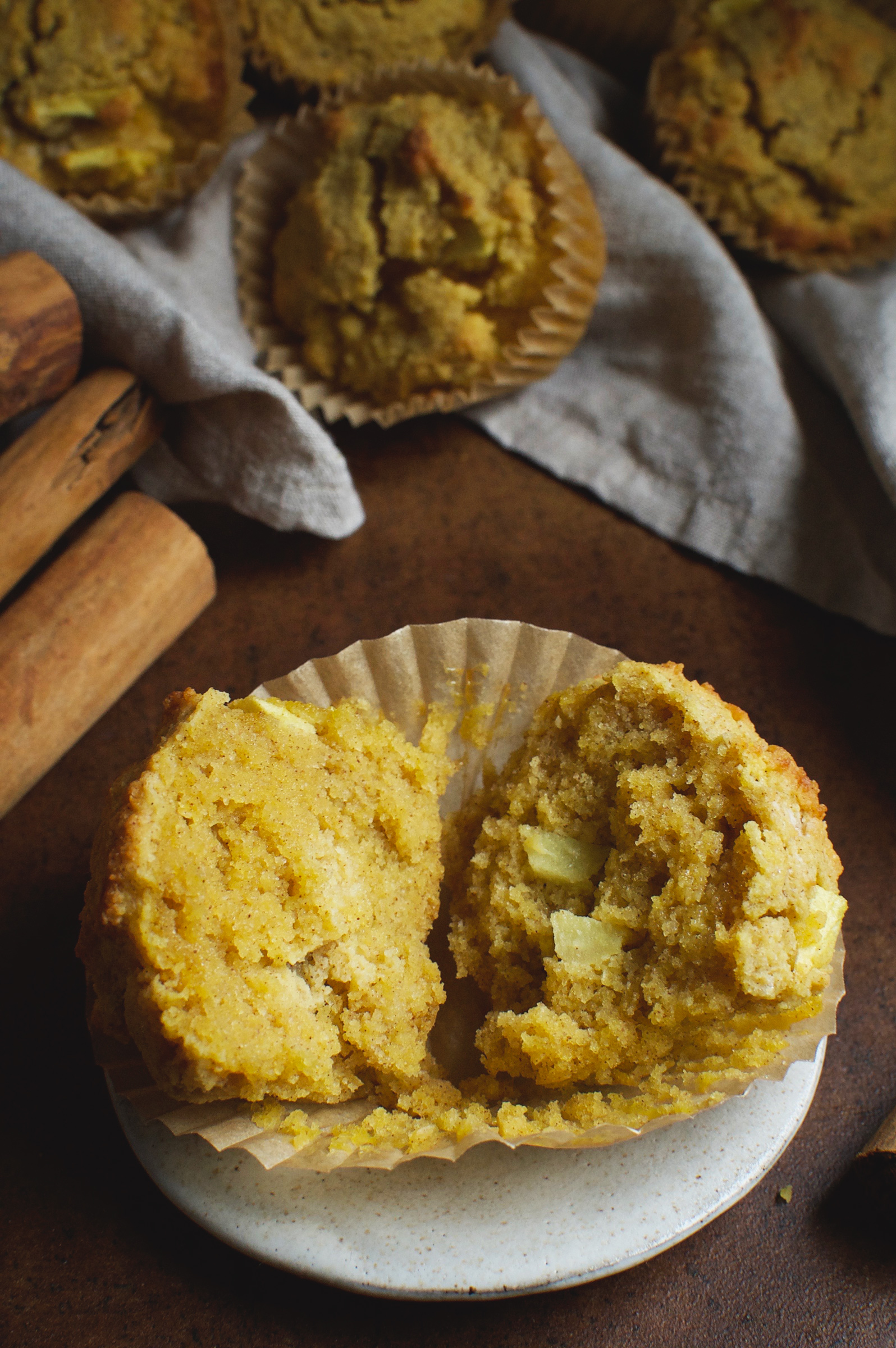 Low-Carb Cinnamon Apple Spice Muffins