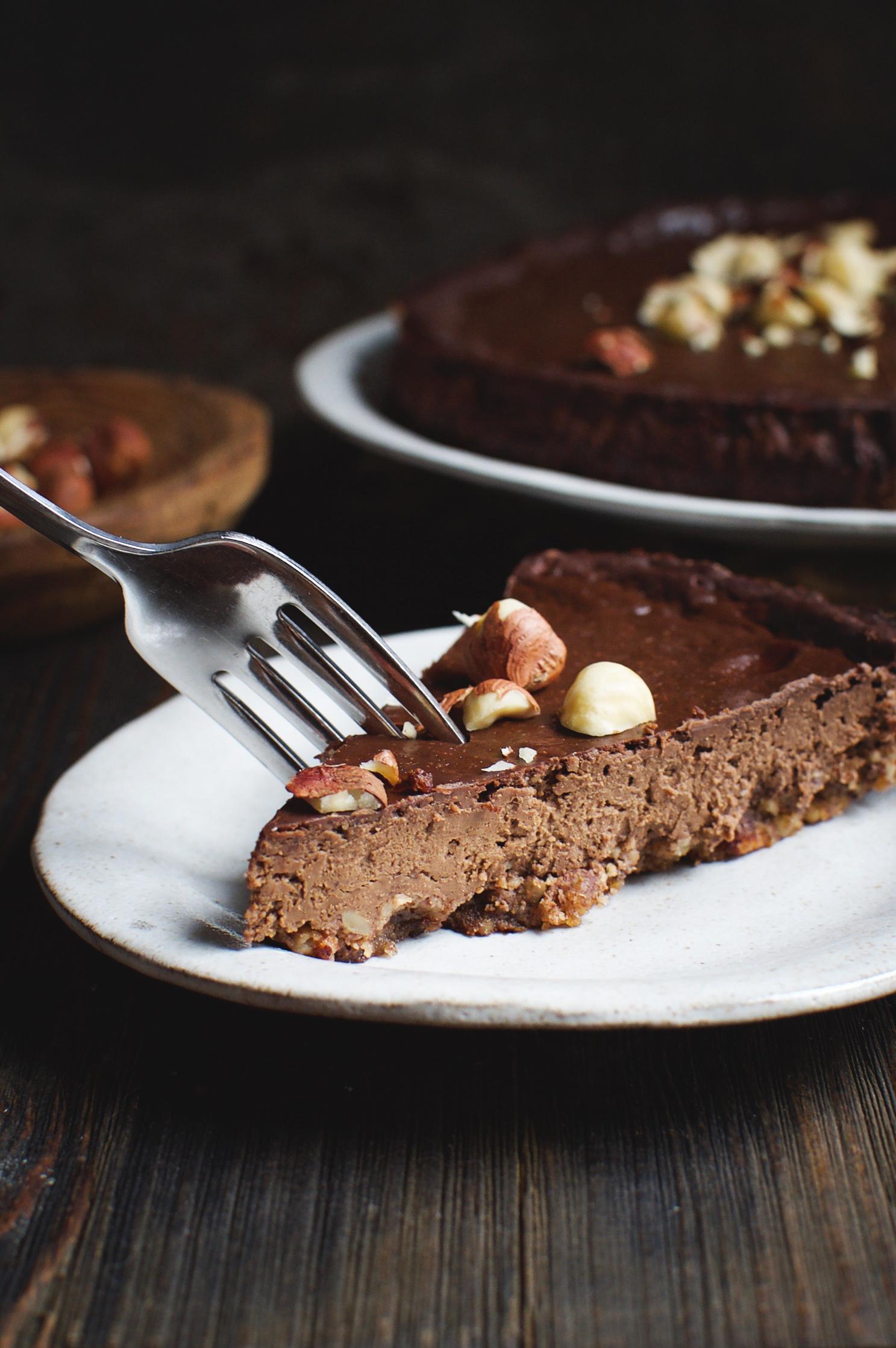 Low-Carb Chocolate Hazelnut Fudge Pie on a dessert plate.