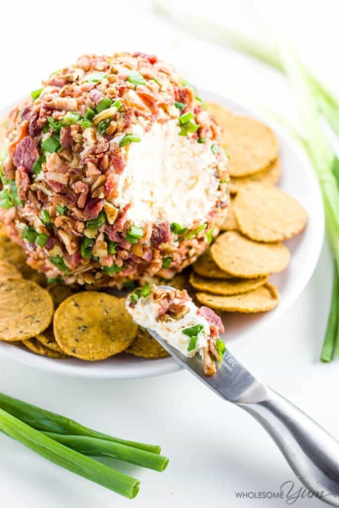 Low-Carb Appetizers: Easy Cheeseball with Cream Cheese Bacon and Green Onion
