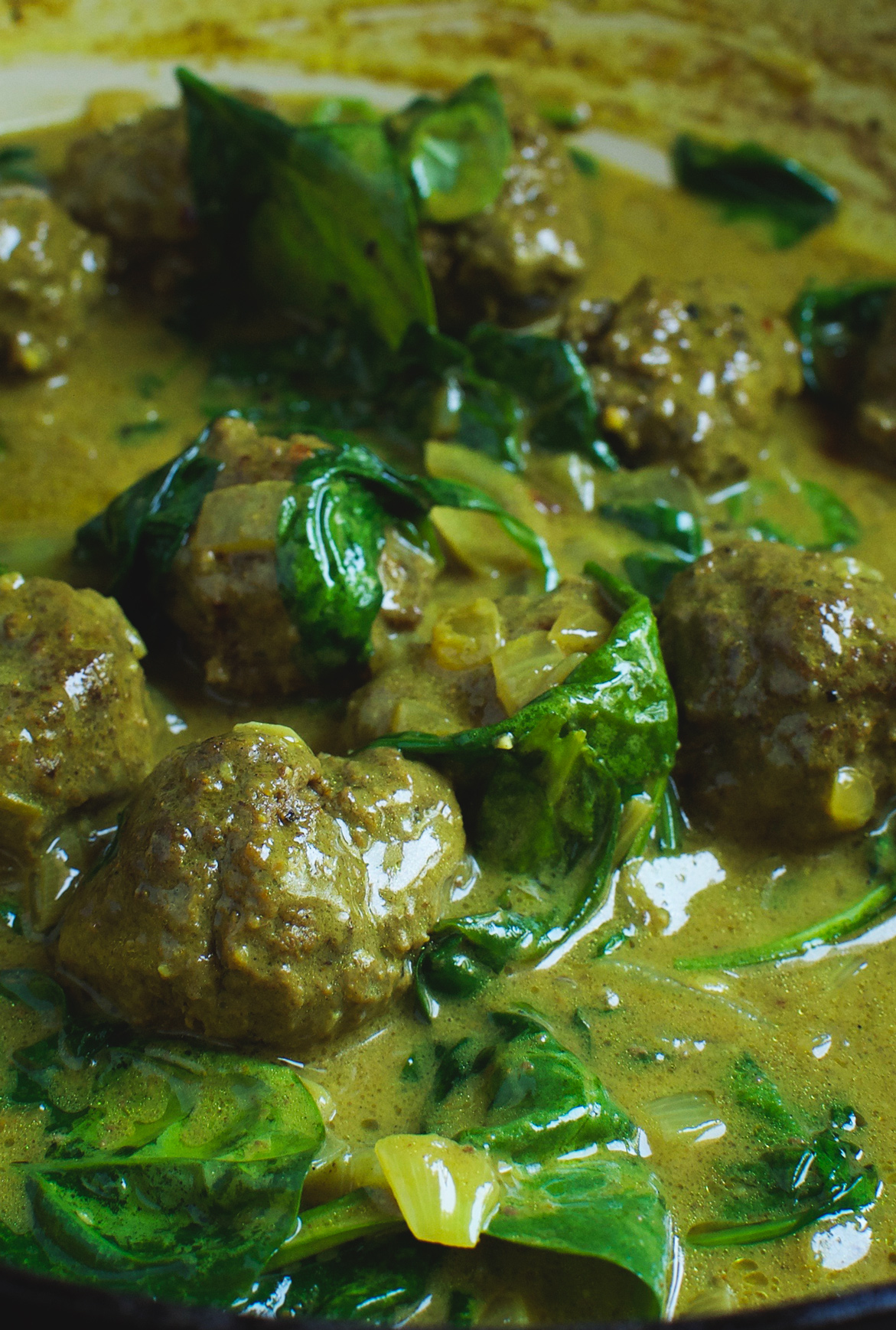 These Paleo curried meatballs will please the whole family! They are gluten-free, dairy-free and grain free. What a delicious, nutrition-packed weekday meal!