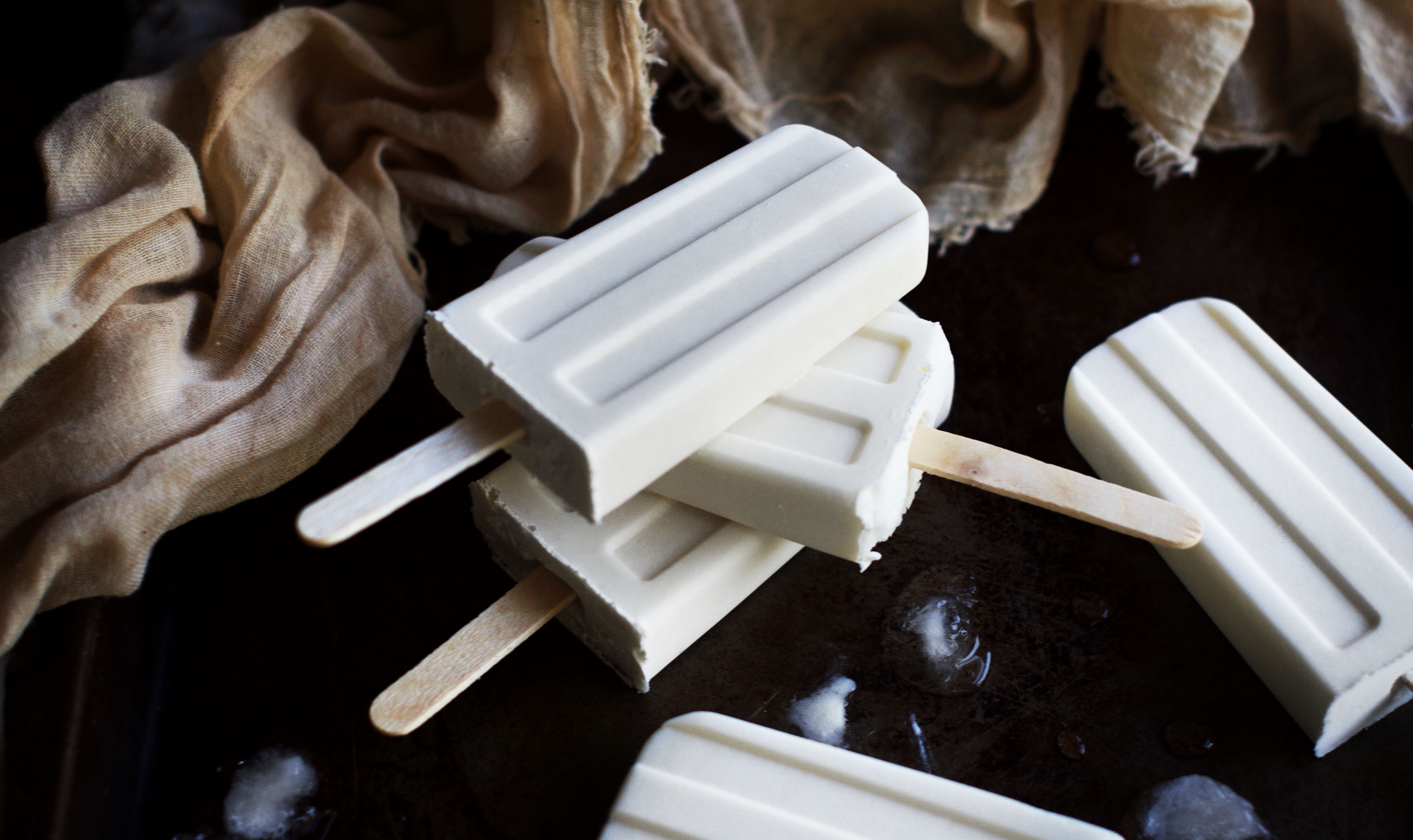 Low-Carb Root Beer Float Popsicles