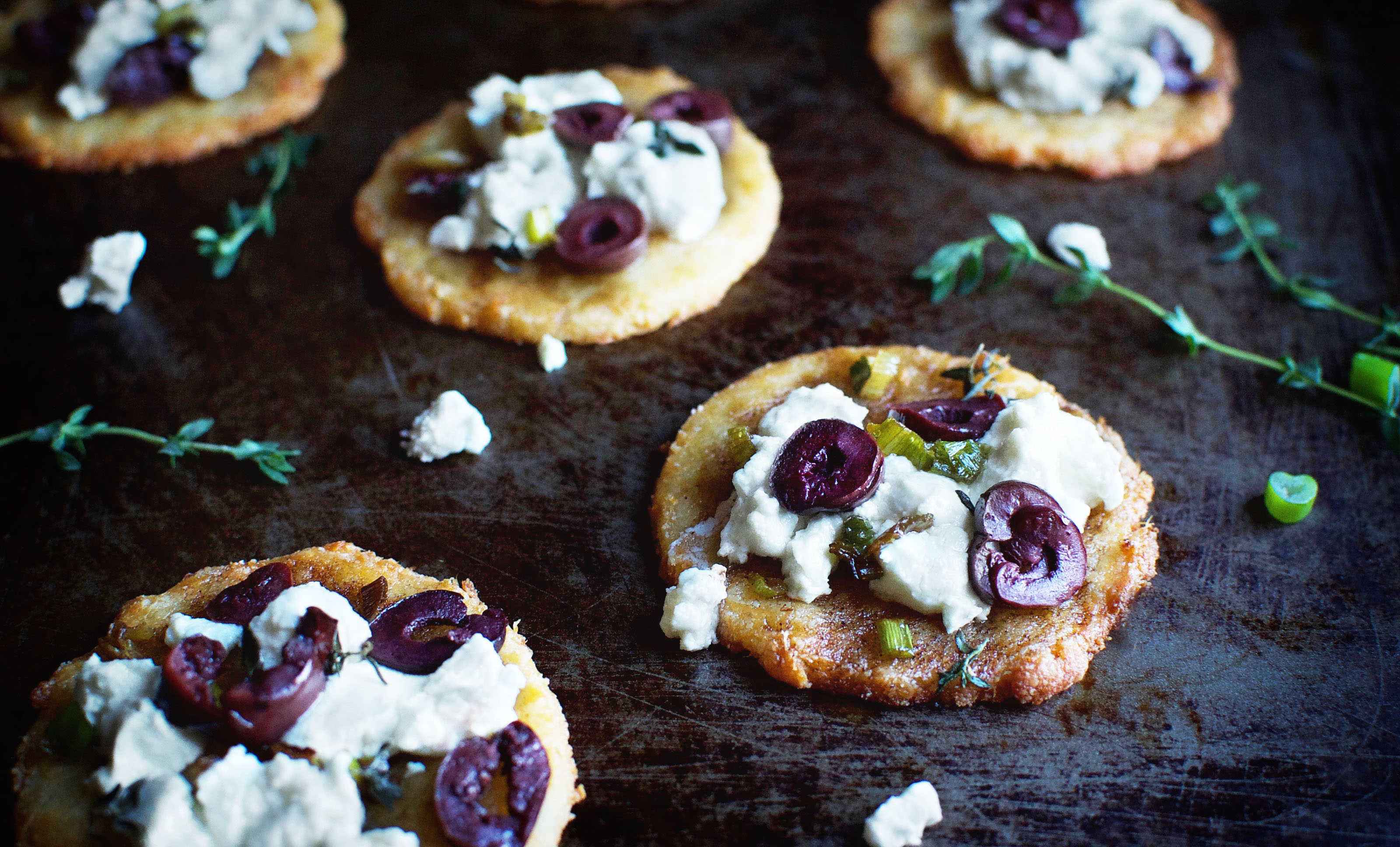 Low-Carb Chèvre Mini-Flatbreads