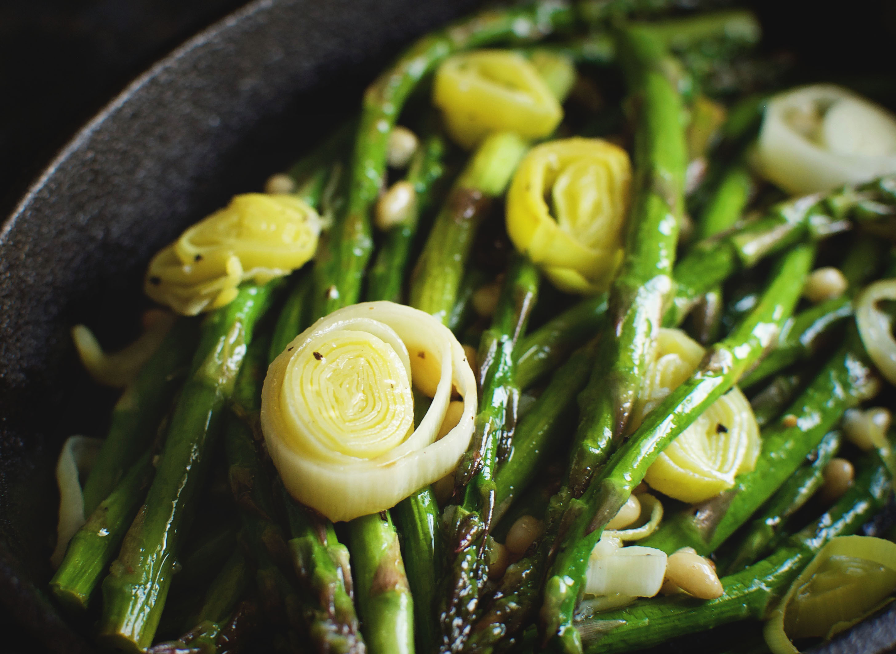 Easy Roasted Leek and Asparagus Salad