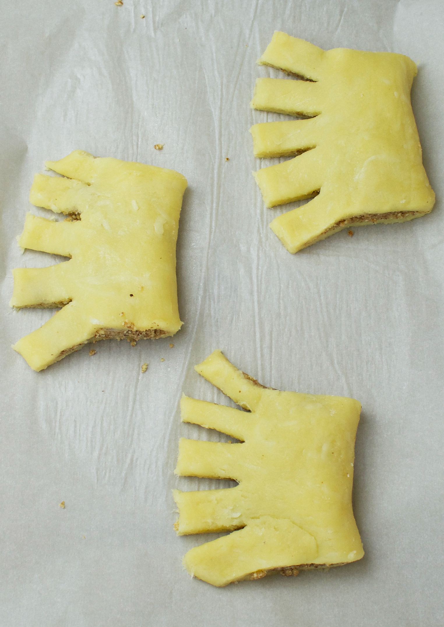 Bear claws arranged on the tray