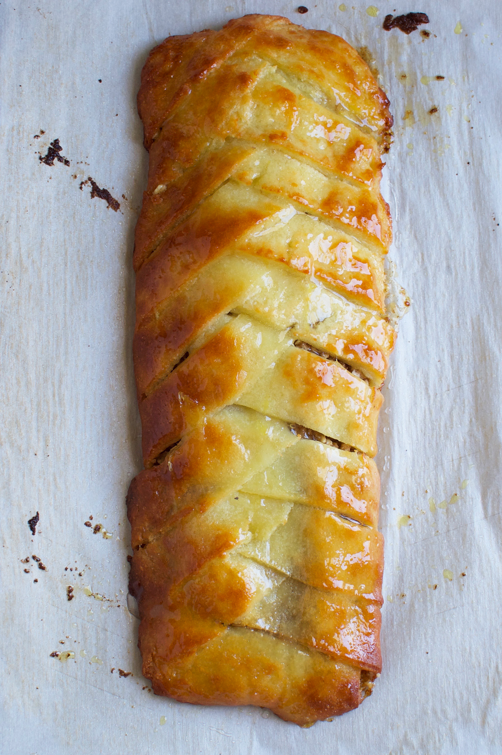 Low-Carb Baklava Braid-After glazing.