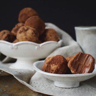 Low-Carb Dark Chocolate Truffles