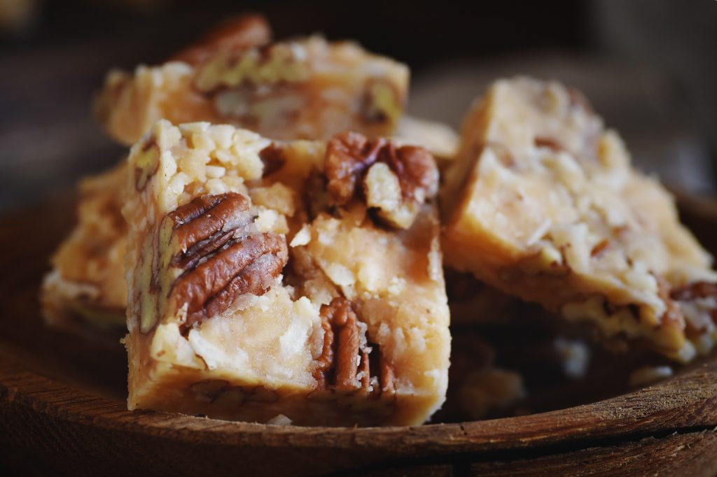 Low-Carb Coconut Pecan Snack Bar Recipe