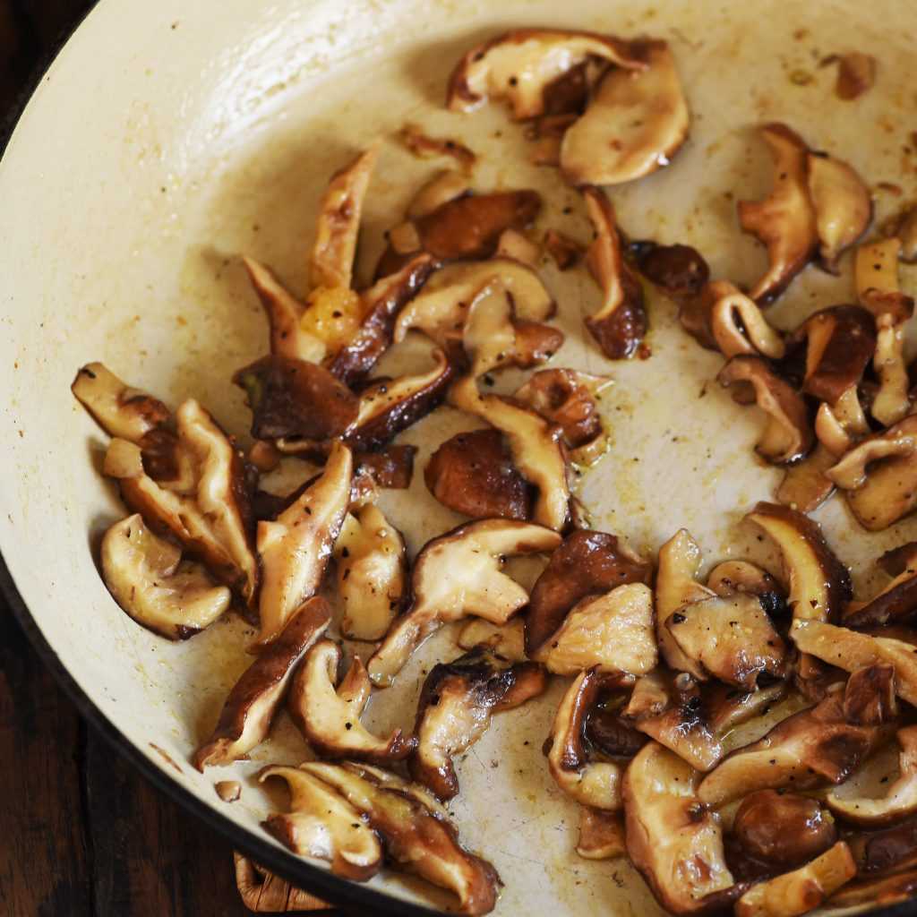 Garlic Mushrooms Recipe-Adding the garlic.