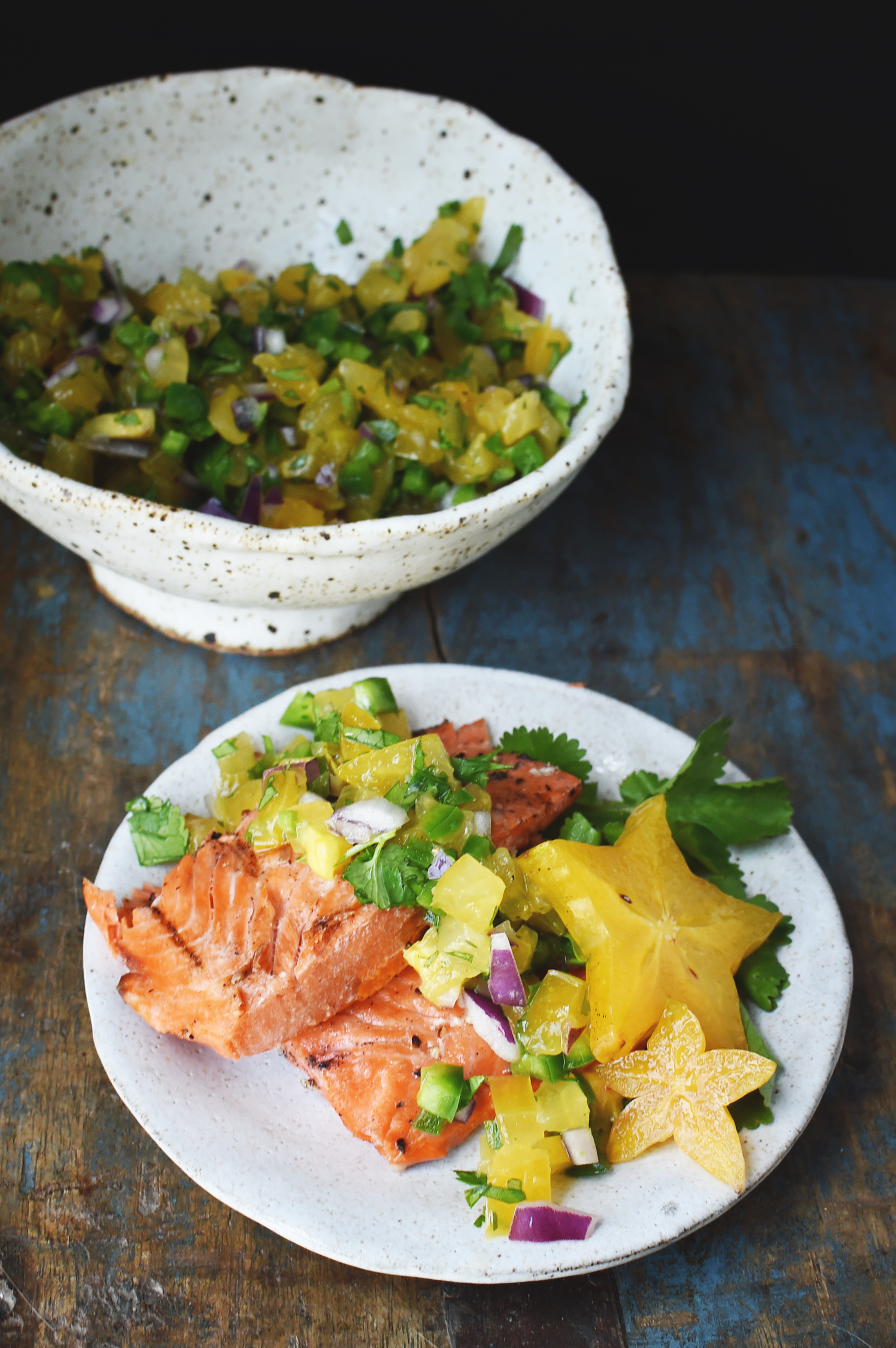 Low-Carb Salmon with Starfruit Salsa served on a plate.
