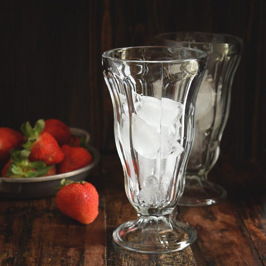 Low-Carb Strawberry Italian Cream Soda Recipe -Adding ice to the glass.