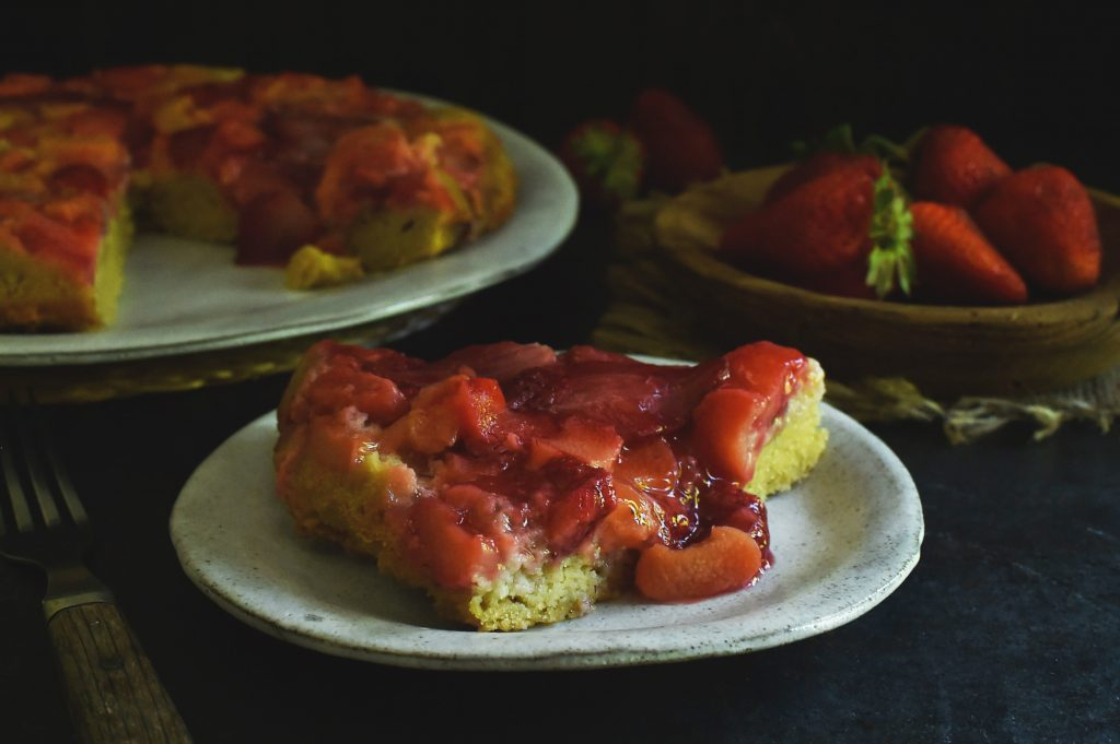 Low-Carb Strawberry Rhubarb Upside-Down Cake Recipe