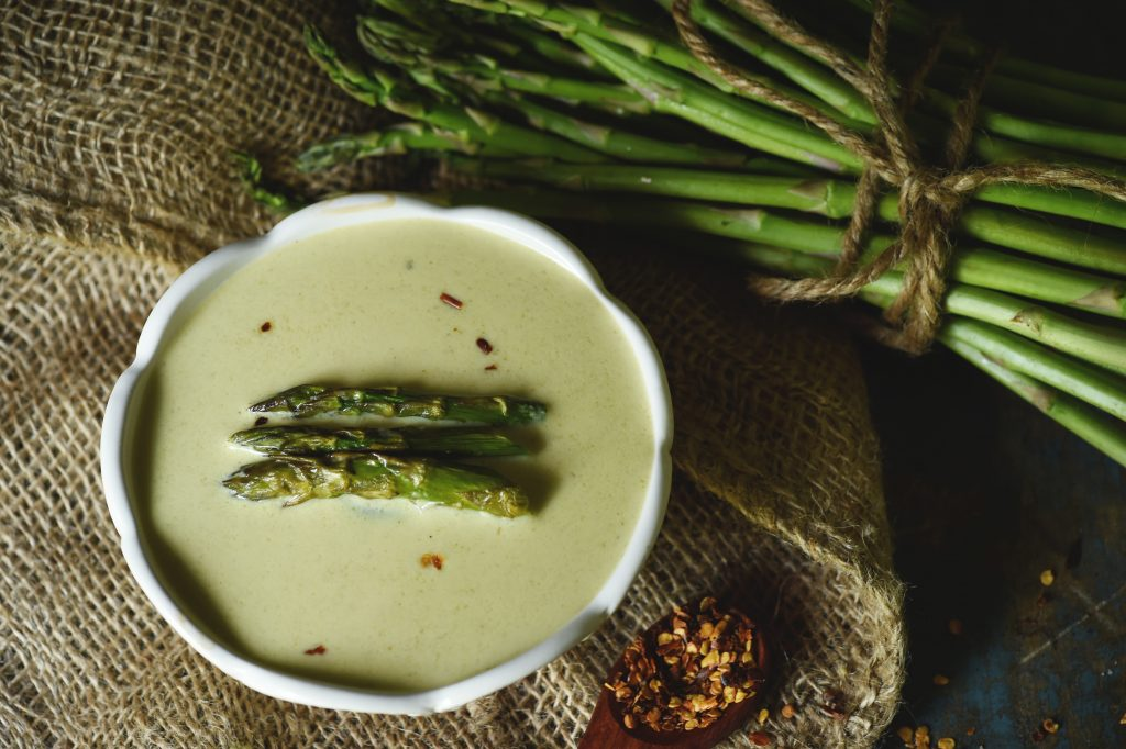 Low-Carb Cream of Roasted Asparagus Soup Recipe