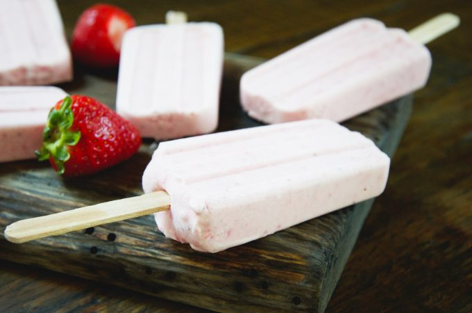 Low-Carb Strawberry Cream Popsicles