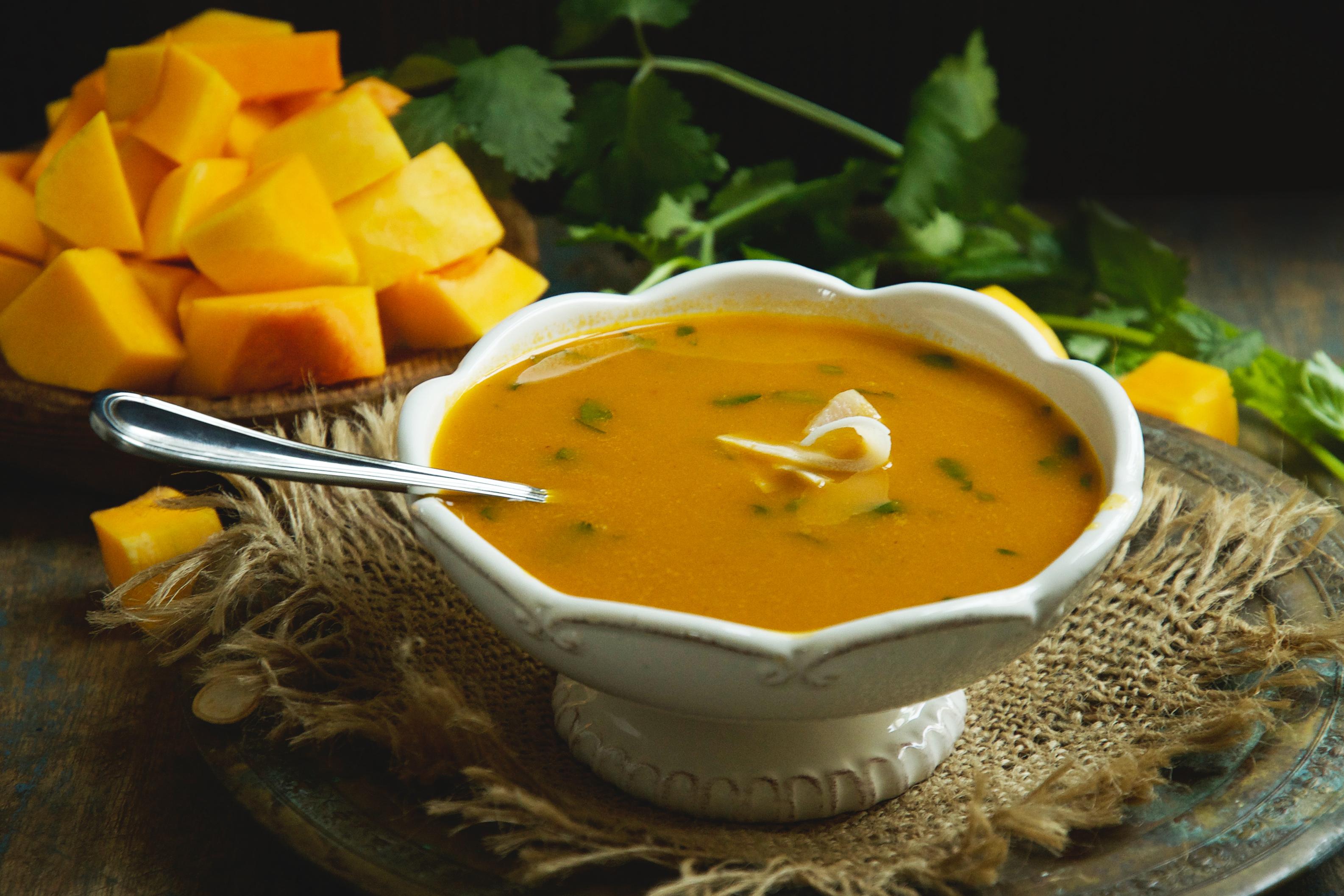 Low-Carb Thai Curried Butternut Squash Soup
