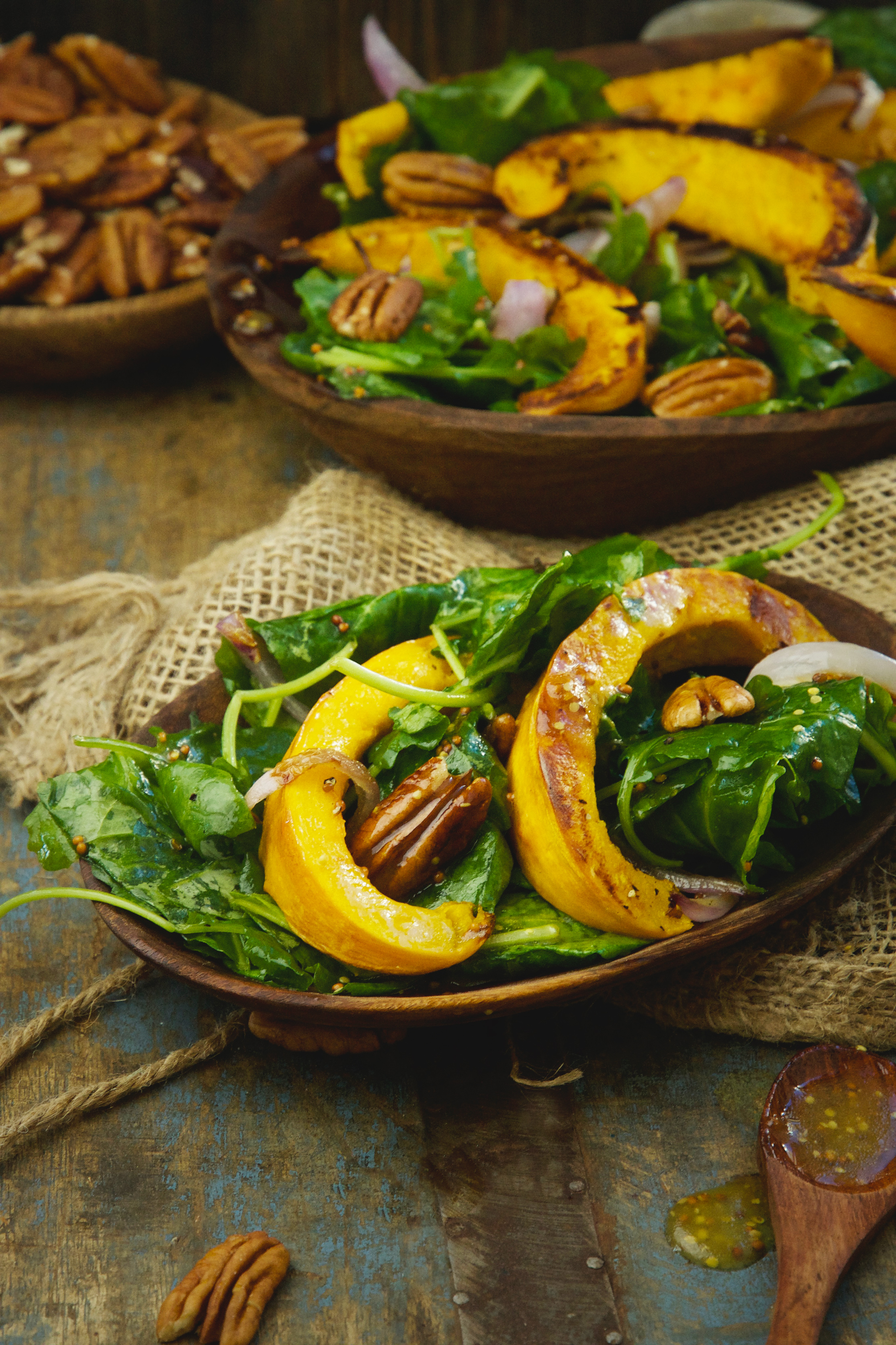 Low-Carb Roasted Pumpkin Salad -serving size on a wooden plate