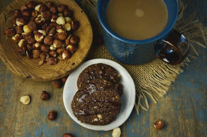 Low-Carb Chocolate Hazelnut Shortbread Cookies