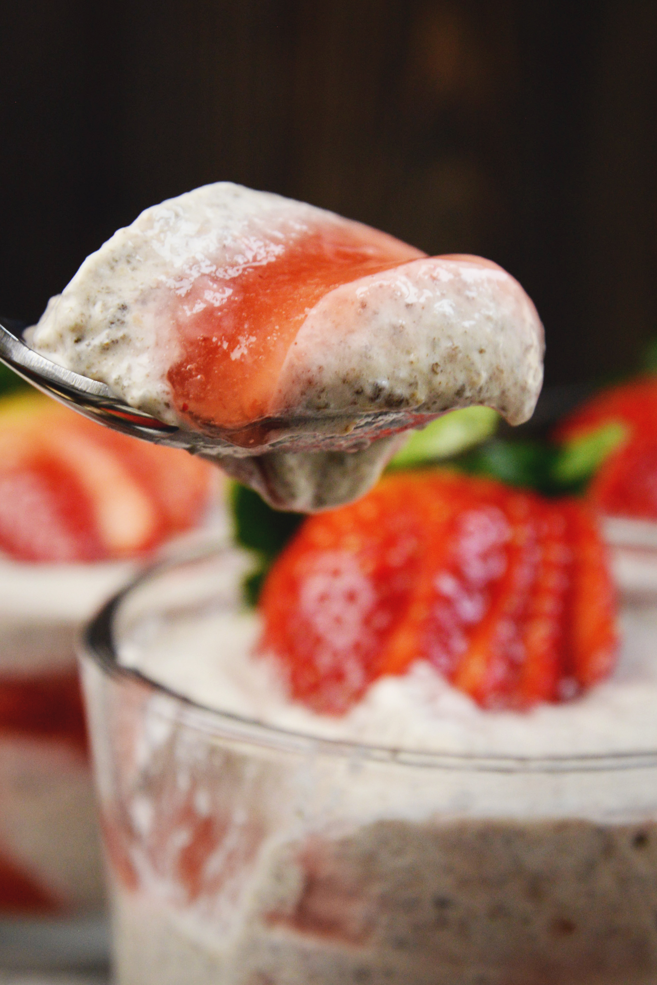 Low-Carb Strawberry Cheesecake Chia Pudding-digging in!