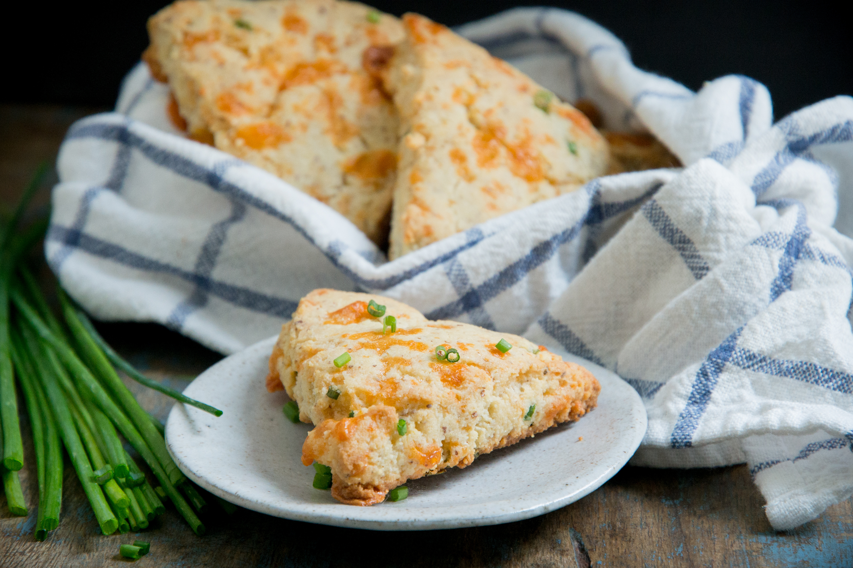 Low-Carb Cheddar Biscuits Recipe