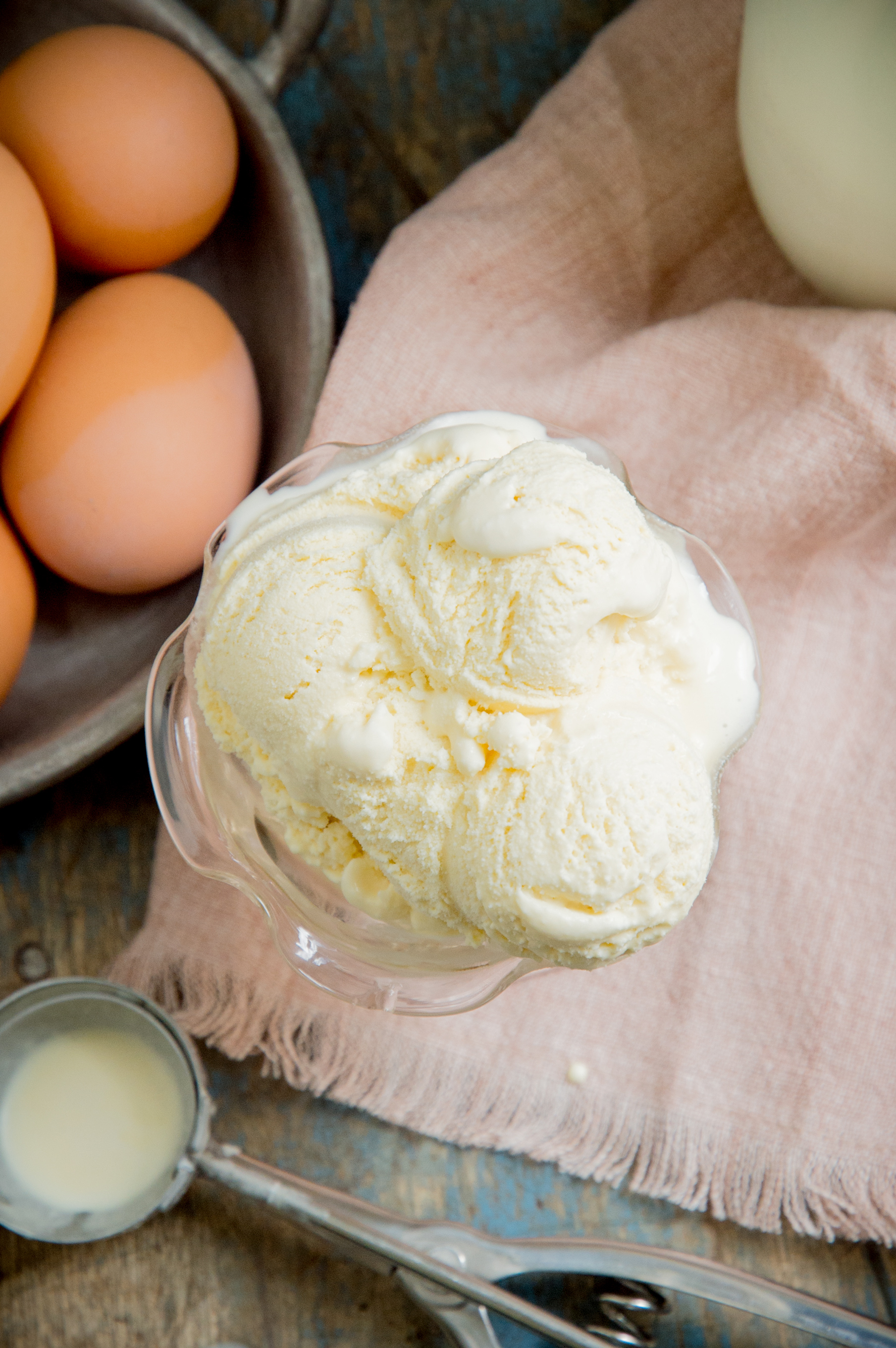 Low Carb Keto Vanilla Ice Cream Recipe-top view.