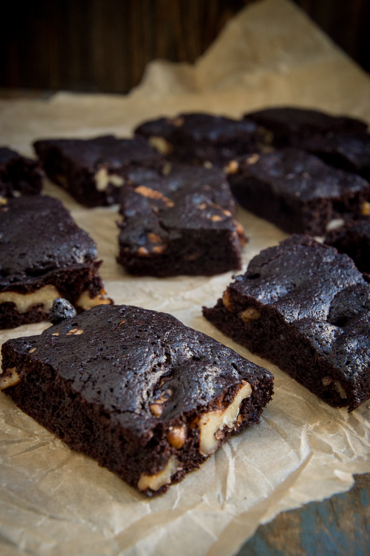 Keto Chocolate Fudge Brownies -Cut.