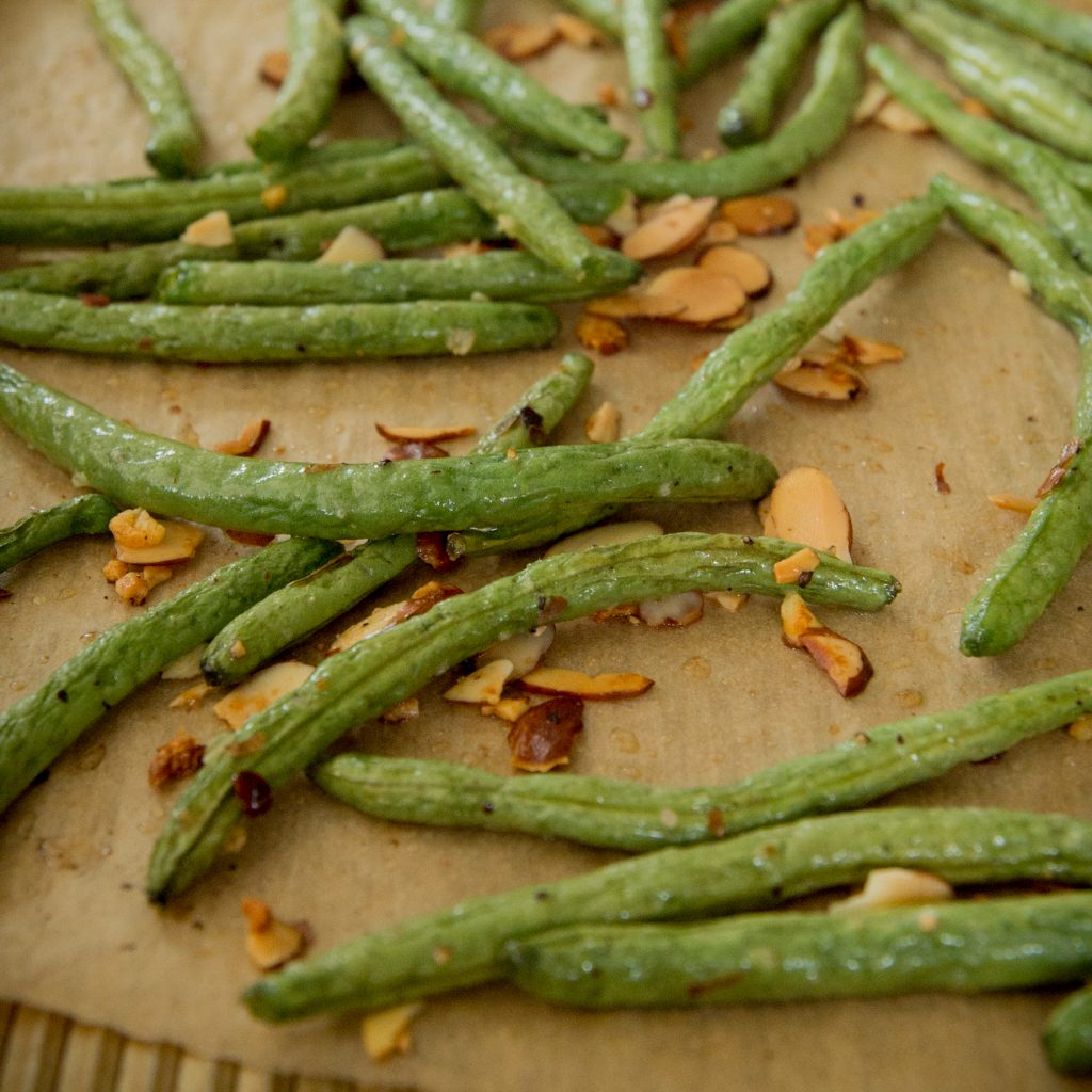 Green beans after roasting in the oven.