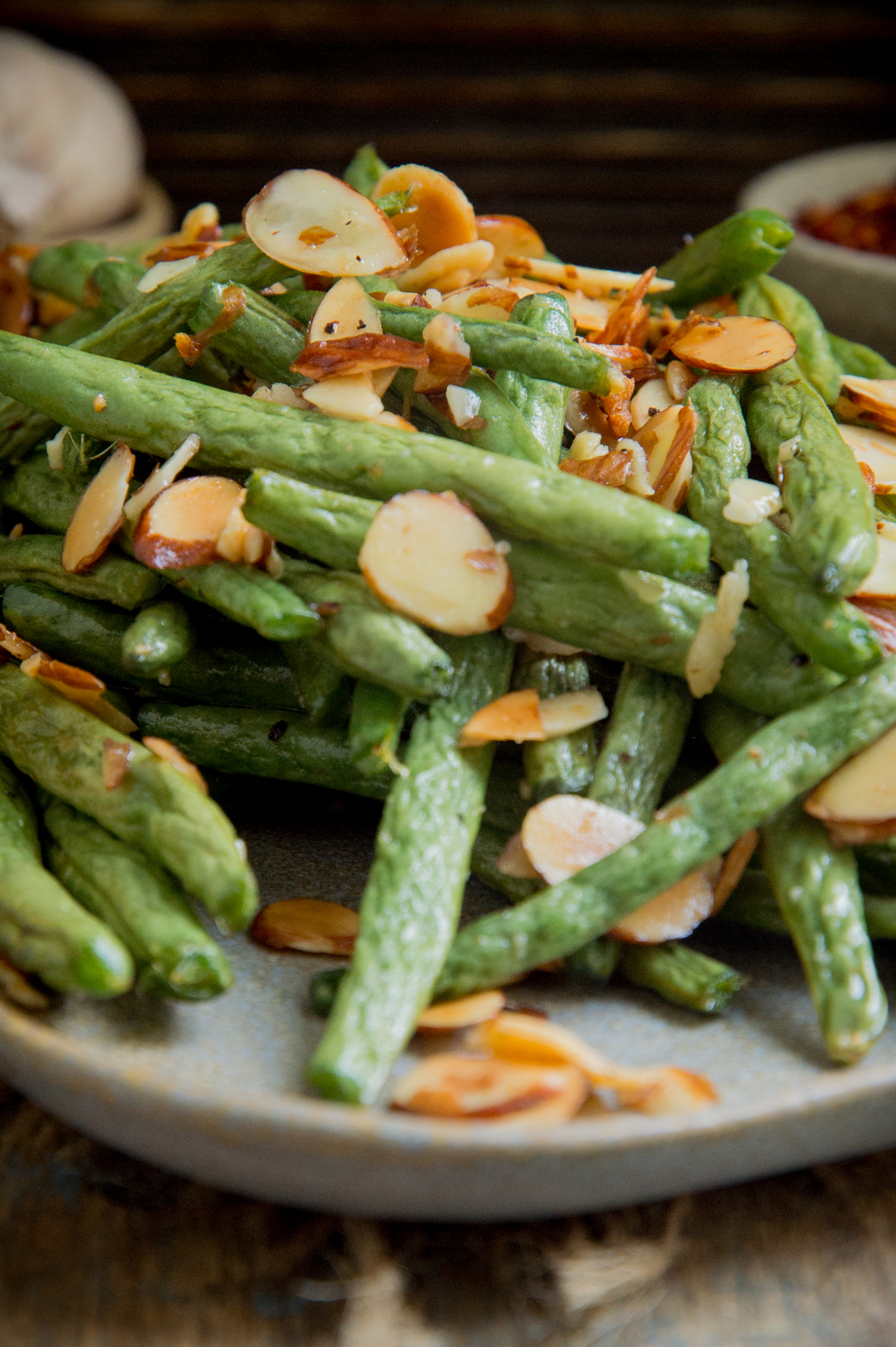 Low-Carb Roasted Green Beans-close-up.