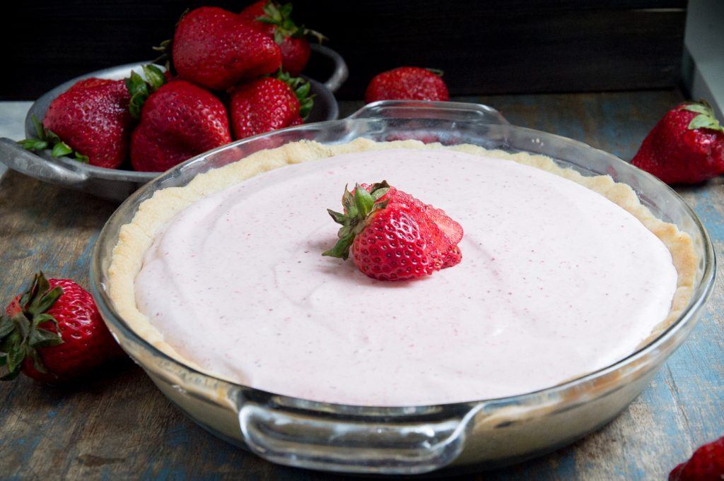 Keto Strawberry Cream Pie (Low-Carb and Sugar-Free)
