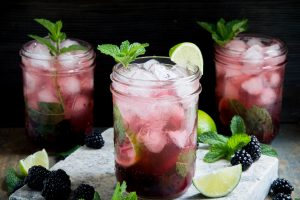 photo of three low-carb blackberry mojitos
