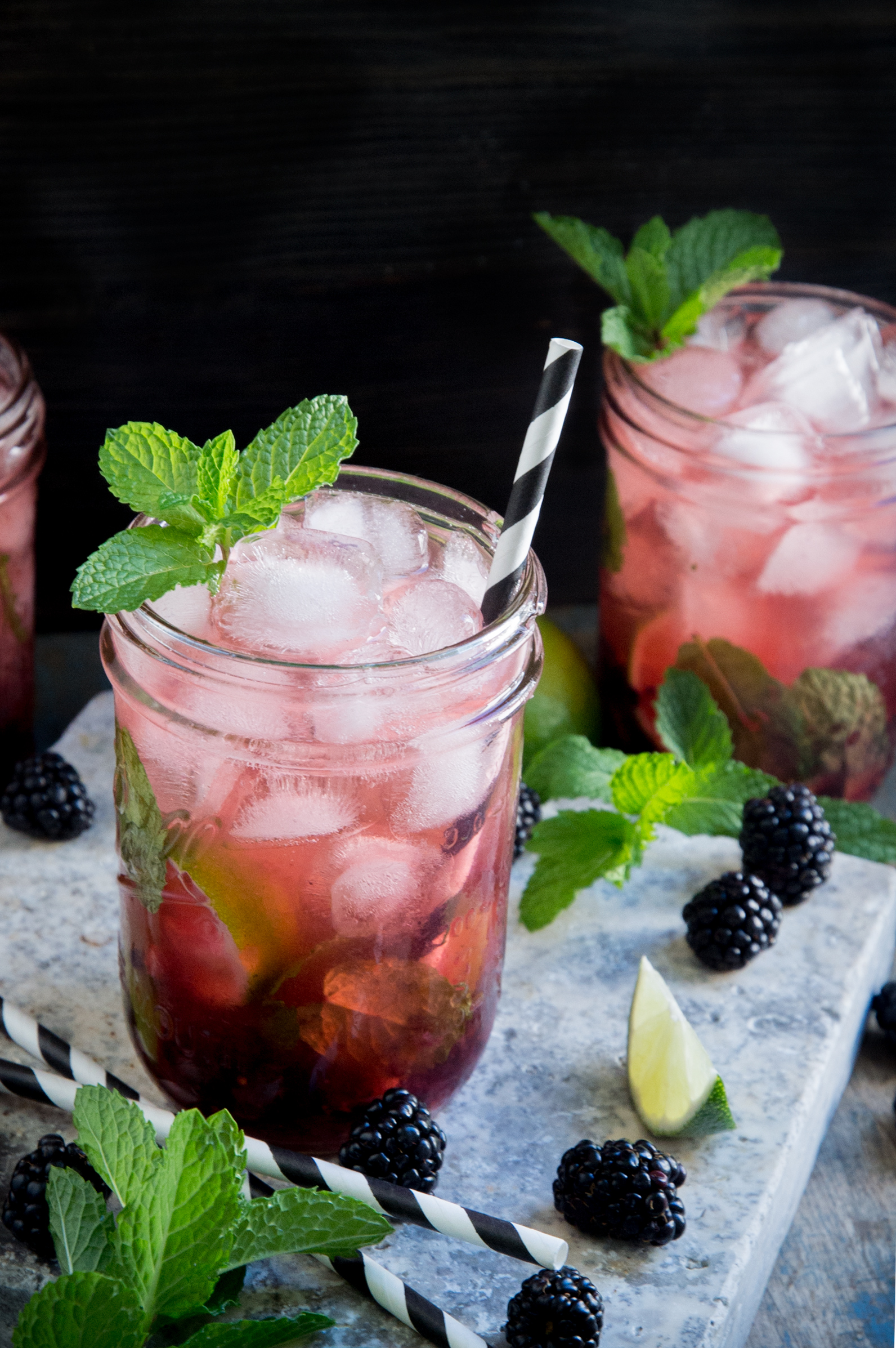 glass of low-carb blackberry mojito